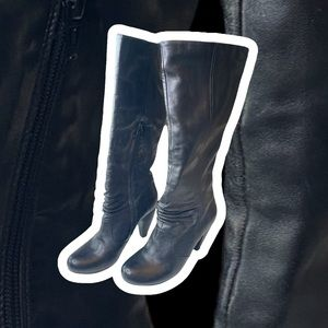 Miz Mooz Shelly black leather heeled boot 7.5